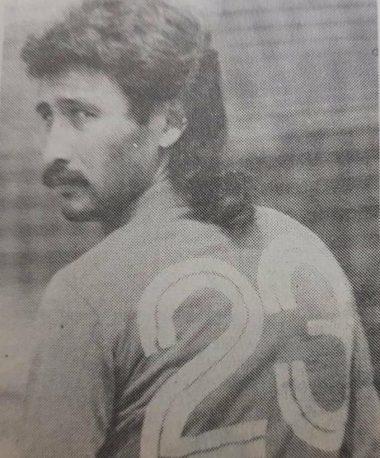 Pablo Larios con su número 23