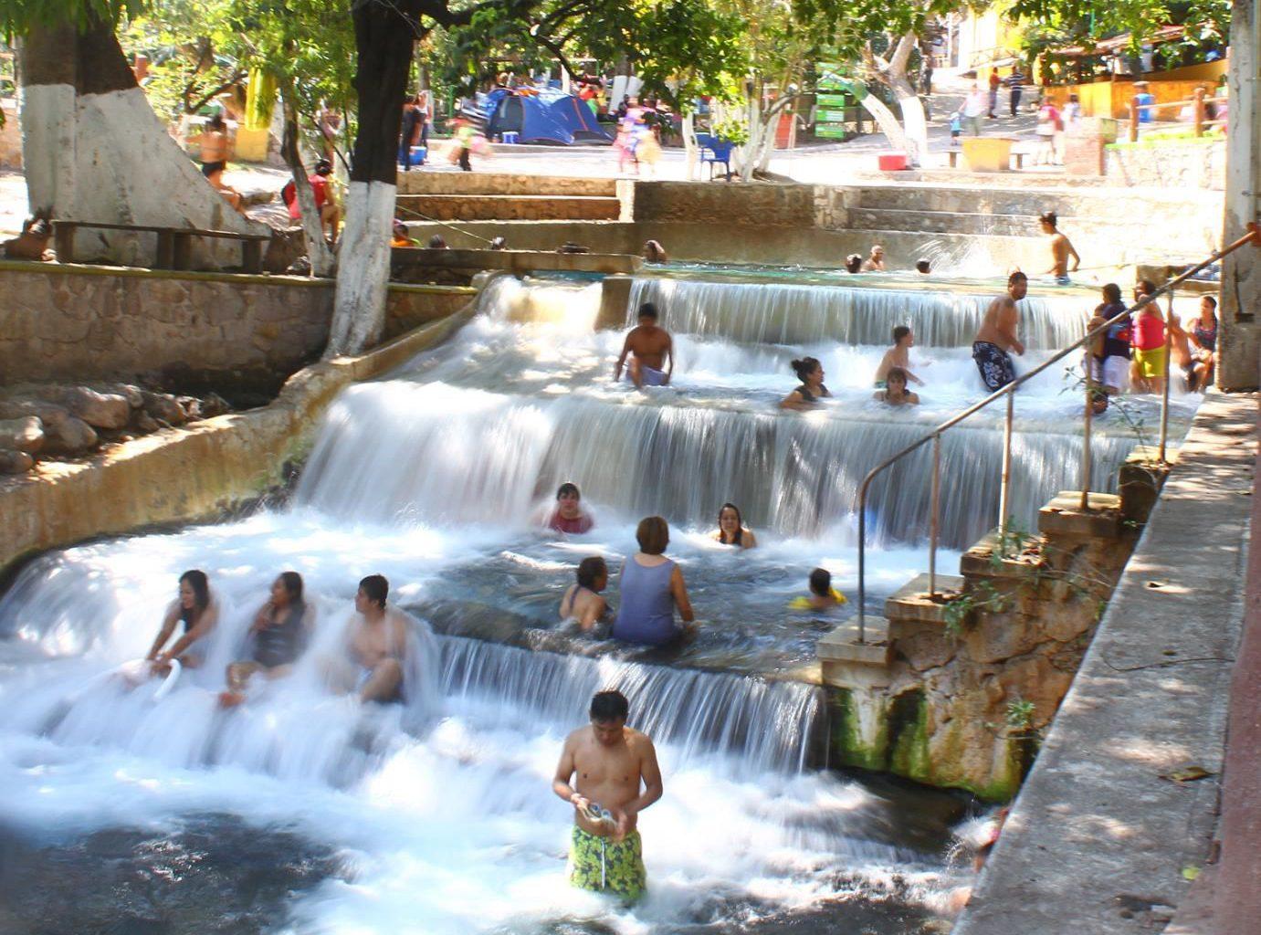 Aguas Termales del Balneario Las Huertas